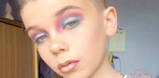 10 детей делающих макияж